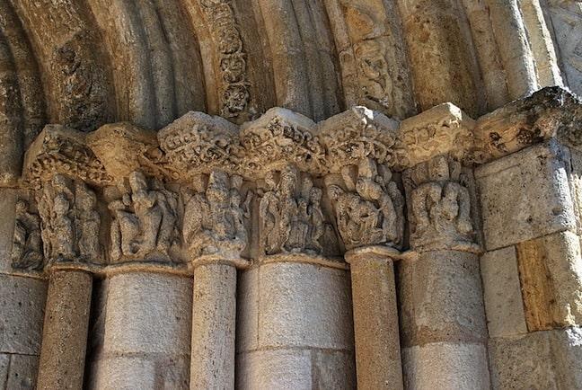 Portail église St-Christophe-des-Bardes